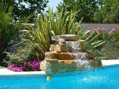 écoulement-cascade-piscine