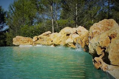 cascade-piscine-débordement