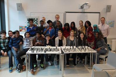 Schach-Olympiade-Botschafterin in Integrationsschule in Tromsö