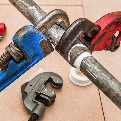 materiel de plombier pour les petits dépannages de plomberie de brico lezay