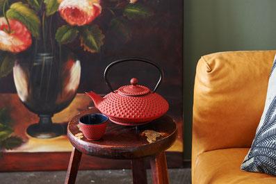 Teekannen Set aus Gusseisen, asiastyle, Tassen, Untersetzer
