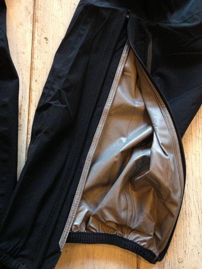 裾部分ジッパー開閉