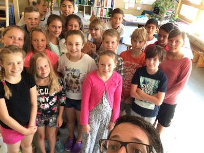 Klassen-Selfie vom ersten Schultag im August 2016