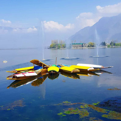 The stunning lake in Kashmir