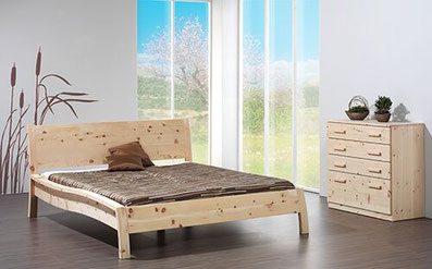 Zirbenbetten, Zirbenholzbrotboxen, Zirbenspänkissen, Massivholzmöbel, Küchen nach Maß, Innenausbau, Reperaturarbeiten