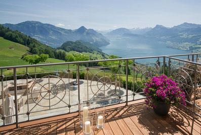 Elite Flights, Gourmetflüge, Helikopterflug, Romantikflüge, Hotel Villa Honegg