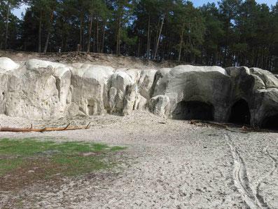 Blankenburg - für Höhlenforscher und Burgherren