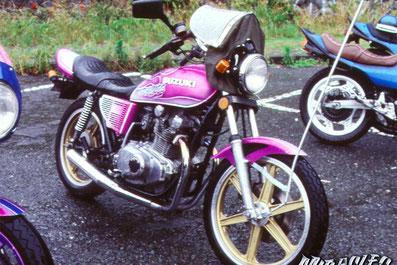 旧車カスタムペイント、バイク