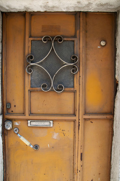 Doors of Portugal Tell Their Story © Nussbaumer Photography @nussbaumerphoto @Mafambani