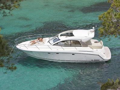 Jeanneau Prestige S38 HT ORVAS Yachting Yachtcharter Motoryacht Flybridge Split ACI Marina