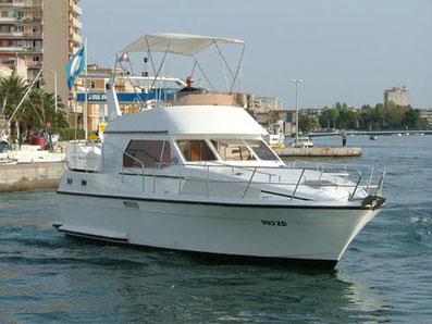 Atlantic 37 Fly Sunturist Yachting Yachtcharter Motoryacht Flybridge Zadar,  Marina Tankerkomerc