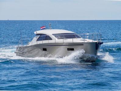 Cyrus 13,8 Hardtop ORVAS Yachting Yachtcharter Motoryacht Flybridge Split ACI Marina