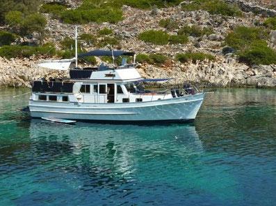 Yachtcharter Kroatien Sonderangebote Trawler Hampton Motoryacht Sea Lion ab Zadar Marina Tankerkomerc