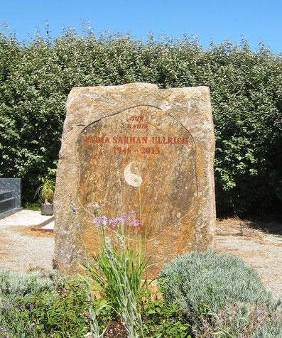stèle-funeraire-pierre-naturelle-taille-saint-raphael-var-83