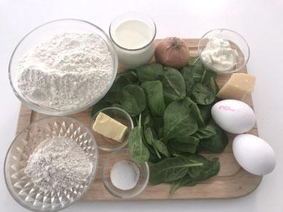 Zutaten-Teig: Mehl, Buchweizenmehl, Eier, Milch, Quark, Salz