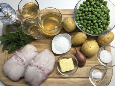 Zutaten: Seeteufel, Erbsen, Fischfond oder Bouillon, Weißwein, Noilly Prat, Schalotte, Zucker, Natron, Butter, Pfefferminze, Kartoffel, Salz, weißer Pfeffer