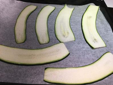Die Zucchini bei 180° im Ofen 7 Minuten backen