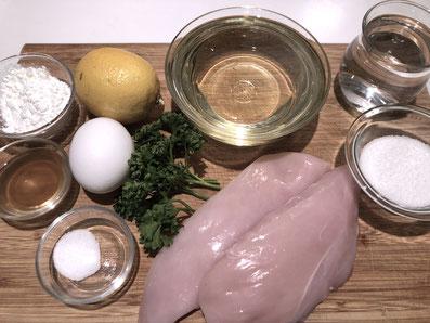 Zutaten: Hühnerbrust, Ei, Salz, Wasser, Stärke, Zitrone, Sonnenblumenöl, Zucker, Essig