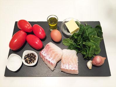 Zutaten: Dorsch, Tomaten, Spinat, Zwiebel, Knoblauch, Ei, Olivenöl, Butter, Salz, Pfeffer