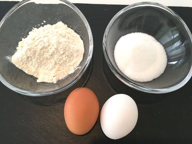 Zutaten: Mehl, Zucker, Eier
