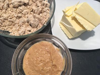 Zutaten für die Creme: Halva, Butter, Kondensmilch