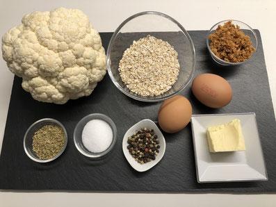 Zutaten: Blumenkohl, Haferflocken, getrocknet Zwiebeln, Eier, Oregano, Butter, Sauerrahm, Salz, Pfeffer