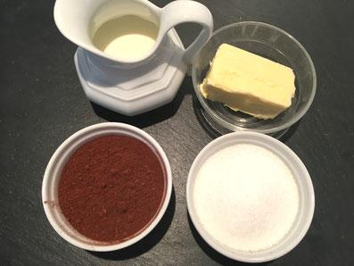 Zutaten Glasur: Zucker, Kakao, Milch, Butter