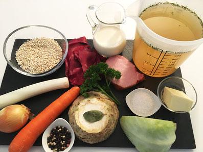 Zutaten: Gerste, Bouillon, Zwiebel, Karotten, Lauch, Sellerie, Kohl, Bündner-Fleisch, Rippchen, Rahm, Butter