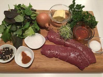 Zutaten: Kalbsleber, Feldsalat, Aceto balsamico, Zwiebel, Zwiebelsprossen, Pertersilie, Zucker, Salz, Pfeffer, Paprika