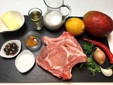 Zutaten: Schweinekotelett, Mango, Kokosmilch, Wermuth, Peperoncini, Zitrone, Zwiebel, Knoblauch, Curry, Koriander, Butter