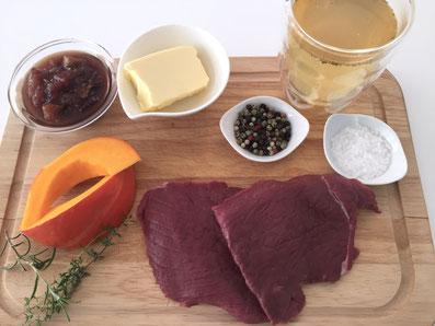 Zutaten: Rehschnitzel, Kürbis, Feigen-Chutney, Bouillon, Butter, Salz, Pfeffer