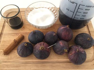 Zutaten: Feigen, Rotwein, Zucker, Aceto balsamico, Zimtstange