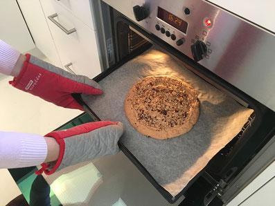 Im auf 170° vorgeheizten Ofen 30 Minuten backen