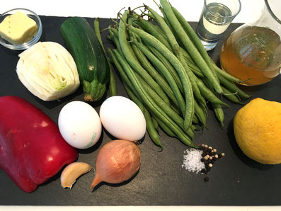 Zutaten: Eier, Bohnen, Fenchel, Peperoni, Zucchetti, Zitrone, Zwiebel, Knoblauch,
