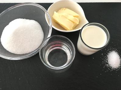 Zutaten für das Karamell: Zucker, Wasser, Butter, Rahm, Salz