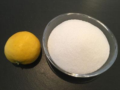 Zutaten für die Füllung: Zitronen und Zucker