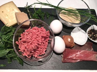 Zutaten: gehacktes Rinds-und Schweinefleisch, Rohschinken, Spinat, Paniermehl, Käse, Eier, Zwiebel, Schnittlauch, Petersilie, Rosmarin, Salz, Pfeffer