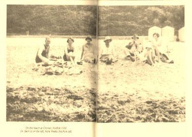 クローマーの浜辺でバッチとノラウィークス