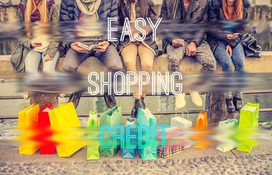買い物が簡単だということをアピールする人たちの画像です。