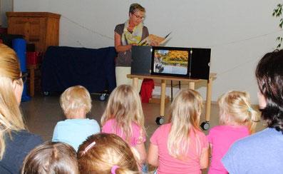 Vorlesestunde im Kindergarten Löwenzahn. Foto: Winkhart