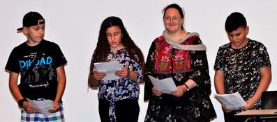 Die Preisträger/in mit ihrer Lehrerin Frau Weidt