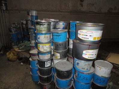 Enlèvement de produits industriels pour traitement.
