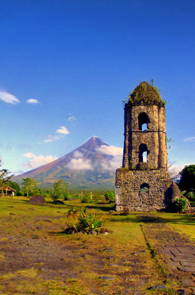 Mayon Volcano in Legazpi | 20 Photos of the Philippines that will make you want to pack your bags and travel © Aime Andrade