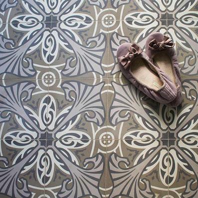 Zementmosaikplatten mit Jugendstilmuster von VIA