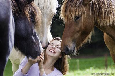 Vertrauen Seminare Pferde Coaching Fortbildung ausbildung beruf berufung Liebe beziehung Ziele erreichen selbsterfahrung spiritualität schamanismus transformation heilung Persönlichkeitsentwicklung