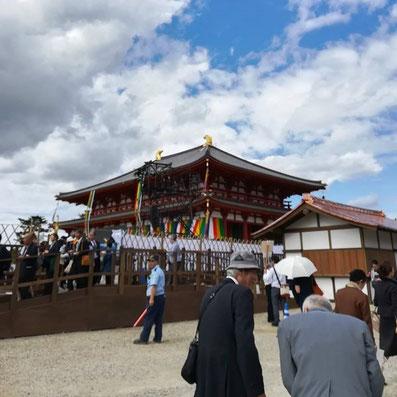 境内整備委員長の座長を務められた鈴木嘉吉先生(中央)