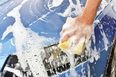 Außenaufbereitung •  Innenraumreinigung •  Komplettaufbereitung •  Lackpolitur •  Nanoversieglung •  Keramikversieglung • Geruchneutralisierung • Innenraumdesinfektion