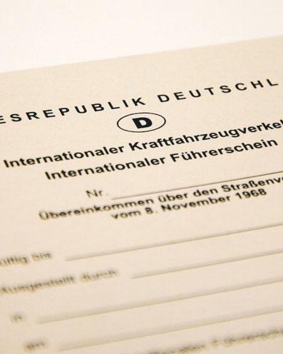 wie beantragt man den internationalen führerschein zweidiereisen