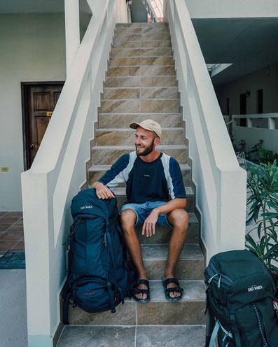 Reisen mit leichtem Gepäck zweidiereisen