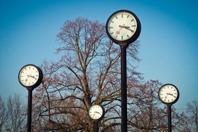 By Werneuchen: Goldene Uhr